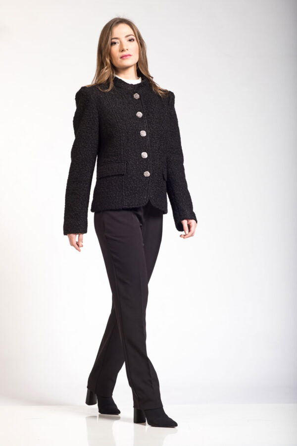 Μαύρο σακάκι μπούκλα με όρθιο γιακά